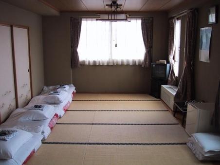 ■和室12畳■駐車場無料