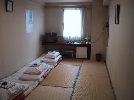 ■和室8畳■駐車場無料