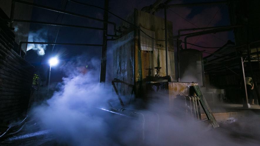 天然温泉にて源泉より毎分260リットルの湧出量
