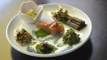 *【山菜料理】素材の持ち味を活かしております