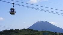 【アンヌプリゴンドラ】山麓からゴンドラで、片道10分ほどで標高約1000m地点へ!!