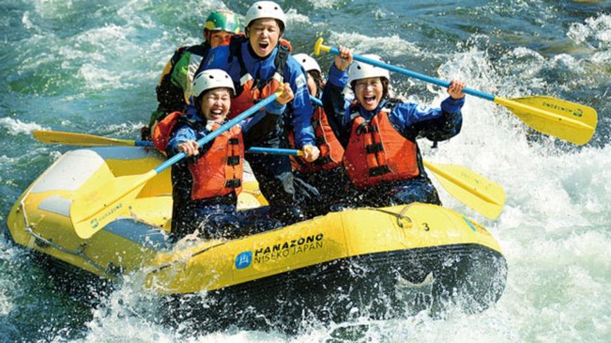 【ラフティング】水しぶきと歓声をあげながら国内有数の清流「尻別川」を下ろう!!