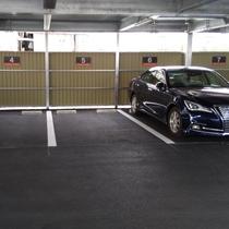 屋外駐車場1F