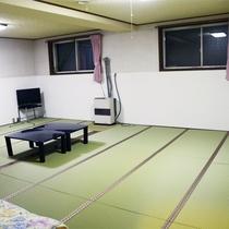 *[大部屋]最大10名様まで一緒に泊まれる一番大きなお部屋。グループでワイワイ過ごすのにお勧めです。
