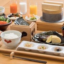 【朝食】農薬や肥料を控えた体によいお米を小さな釜で炊き上げます!