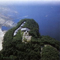 湖畔の隠れ家ホテル
