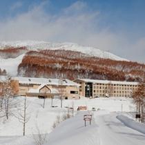 【冬】西館 雪に包まれる外観