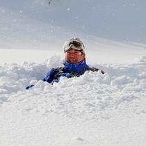 【冬】新雪ダイブって気持ちィィ〜♪