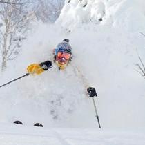 【冬】新雪のパウダースキーを楽しむ♪