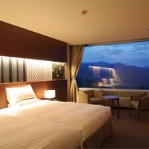 【スーペリア・ツイン】3名定員 ワンランク上のお部屋 ベッドはシモンズベッドを採用。