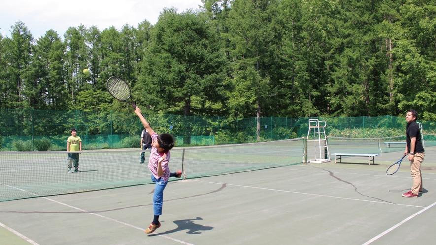 【高原テニス】爽やかな風を感じながら心地良い汗をかこう!調子が良ければ必殺のAir Kを決めよう!