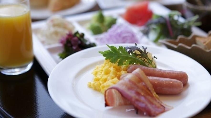 カフェテリア式食べ放題(和洋バイキング) 高原の朝を爽やかに・・・
