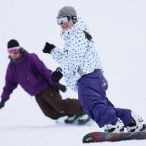 良質の天然雪 スノーボードで初滑り