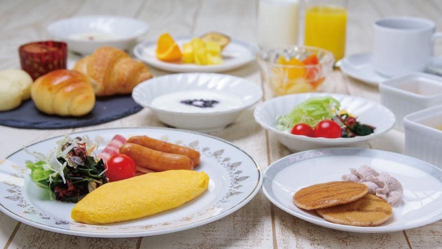【朝食ブッフェイメージ】和食・洋食のお料理をブッフェ形式にてご用意しております