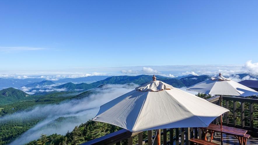 【横手山】ホテルより車で約25分。スカイレーター、リフトを乗り継ぎ簡単に山頂まで行けます(冬季通止)