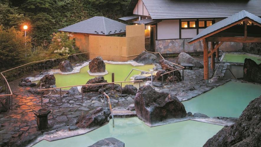 【石庭露天風呂】ご宿泊のお客さまは万座高原ホテルの温泉もご利用いただけます(営業休止日あり)