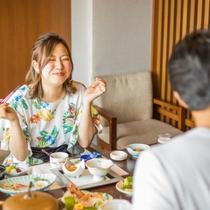 お食事処・共楽【海側半個室席】特別和洋室プランでご利用いただけます。