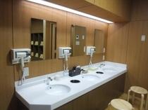 大浴場脱衣室2