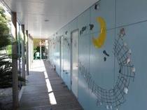 和室前の壁画