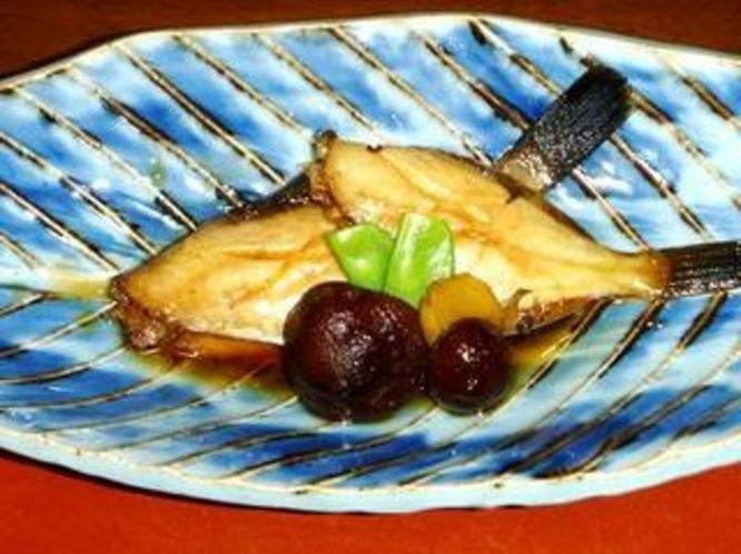 ある日の夕食 カワハギの煮魚です