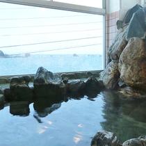 天然温泉岩風呂でほっこり♪