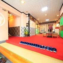 *ロビー/明るい和の空間で、温泉旅館の風情をお楽しみください♪