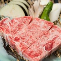 *夕食一例/海鮮だけではなく、お肉も楽しむことが出来ます♪