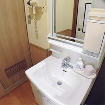 *客室一例/全室トイレ・洗面所付き。客室風呂の有無はおまかせとなります。