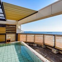 *展望露天風呂『貫一の湯』/熱海港と空を眺めながら静かなひとときを堪能♪