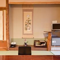 *客室一例/広さと眺望は川側または海側のおまかせ。純和風の落ち着ける雰囲気。