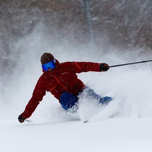 【雫石スキー場】スキーヤーイメージ