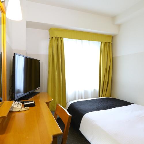 セミダブルルーム(広さ11平米/ベッド幅120cm)