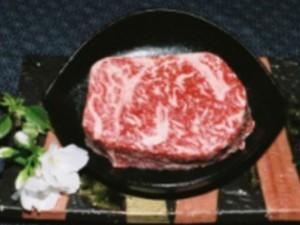 【熊野牛ステーキ】は たくさんのファンに 絶賛されています