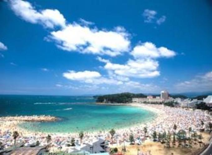 夏の白浜は (青い海・白い砂浜) 南紀は 夏真っ盛り♪