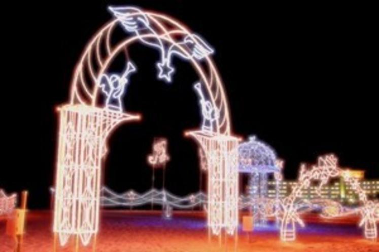 イルミネーション(12月〜1月)天使のゲート!(宇宙で一番幸せなカップルになります)
