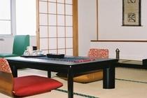 和室のお部屋は 女将手作りの品が・・・(オーシャンビュのお部屋は 絶景!!)