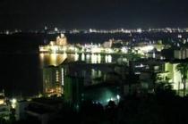 お部屋からの夜景(眼下に見える白浜温泉は 優しい光の世界へ)