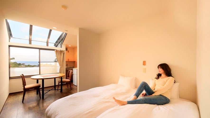 海の見えるサンルーフ付ツインルーム|ハリウッドベッド使用(移動してくっつけたり出来ます)