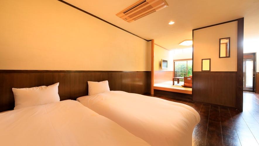 露天風呂付き客室(B-2)|ツインベッドは移動も可能です。