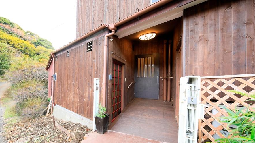 外観|車椅子用スロープ付第二玄関