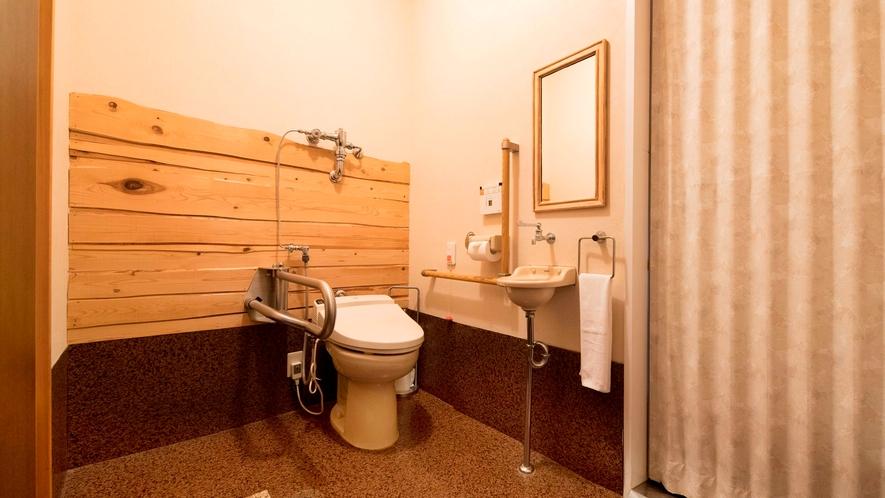 露天風呂付き客室(B-3)|広々設計で車椅子に対応しています。