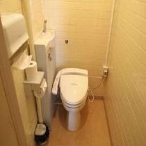 客室ウォシュレト暖房便座付きのトイレ