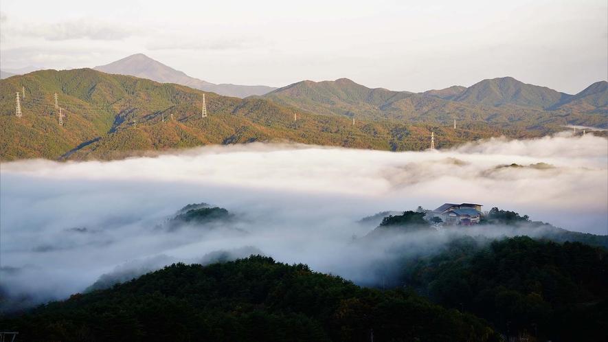 ・雲海の高原荘 ★