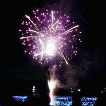 *芦ノ湖夏祭りウィーク【花火大会】毎年7月31日~8月5日にかけて花火大会が行われます。