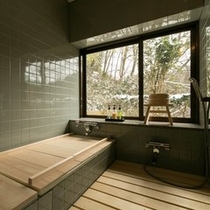 内湯付き客室の風呂