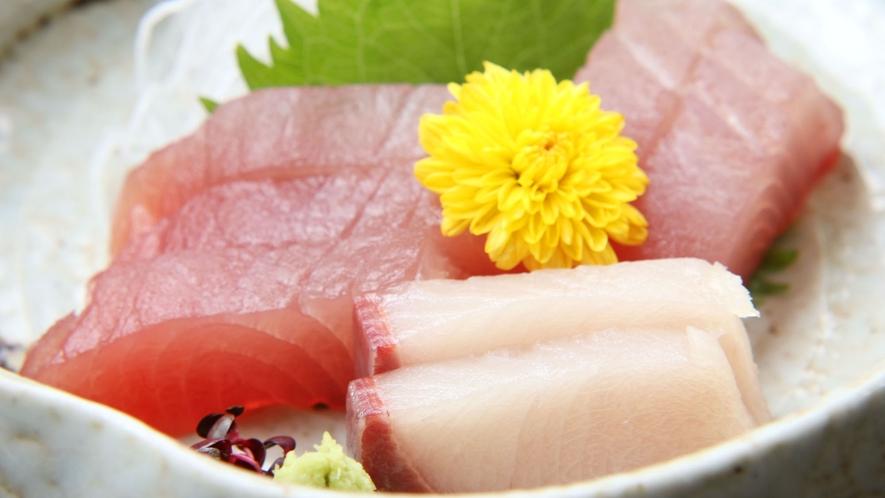 熊野近海で獲れた新鮮なお刺身です。