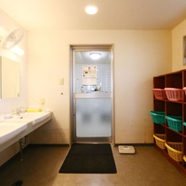 *大浴場■脱衣所も広々!ドライヤーは客室にございます。