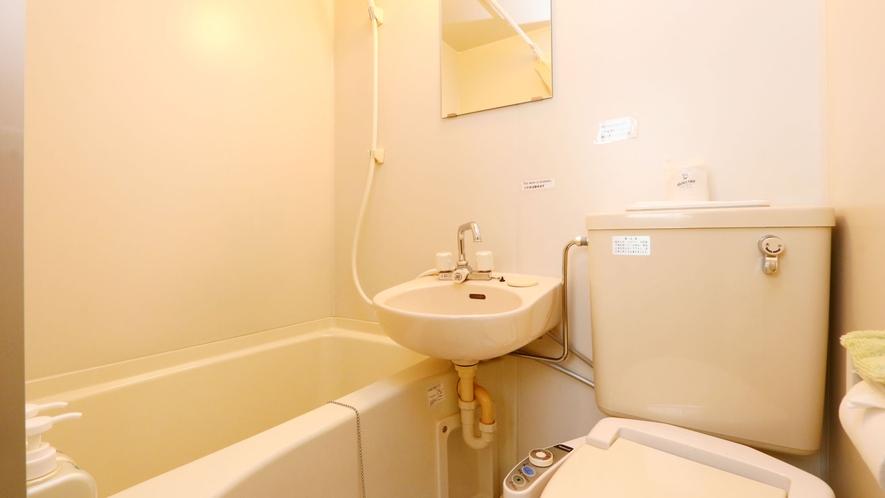 ユニットバスルームのトイレは洗浄機付き☆