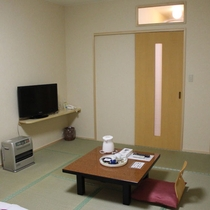 お風呂共同・トイレ付き和室