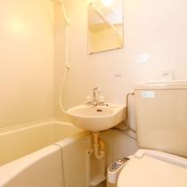 *ユニットバスルームのトイレは洗浄機付き☆
